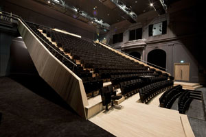 Tribune van het theater L'Emulation